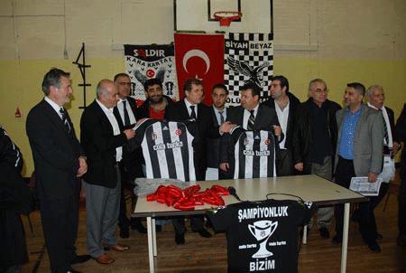 Açılışa Beşiktaş yönetiminden önemli isimler katıldı.